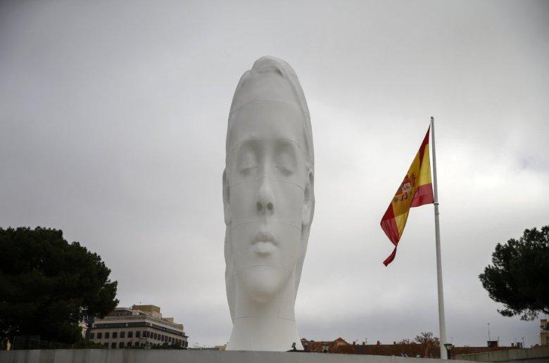Escultura Julia. Plaza de Colon Madrid