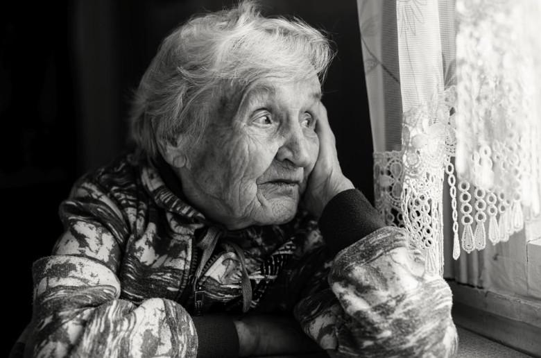 La falta de agua en las personas anciana